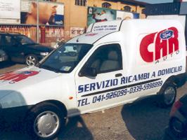 furgone personalizzato scritte adesive