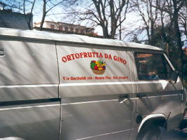 furgone adesivi fruttivendolo