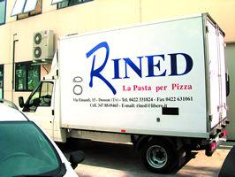 camion pizza personalizzato scritte adesive
