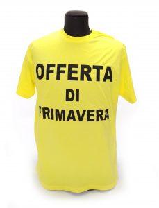 Abbigliamento personalizzato: maglia personalizzabile con scritte, vari colori e taglie, per pubblicizzare articoli ed offerte nei punti vendita